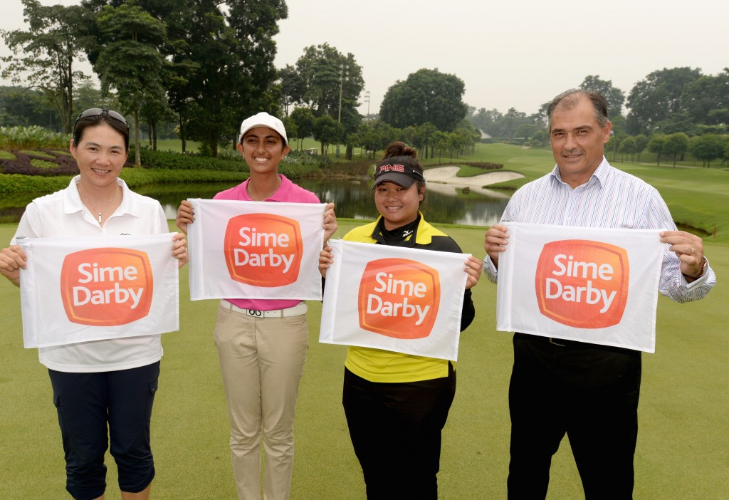 FROM LEFT: CINDY LEE, ADITI ASHOK, NUR DURRIYAH & STEVEN THIELKE-GENERAL MANAGER OF KLGCC AND ORGANIZING CHAIRMAN OF THE SIME DARBY LPGA MALAYSIA ORGANIZING COMMITTEE
